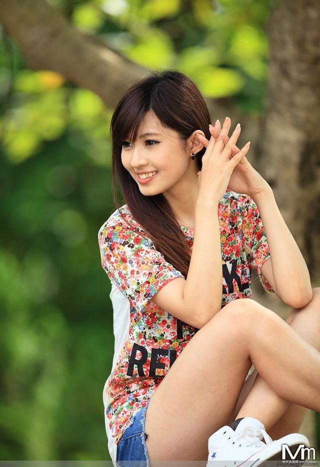 爱乐壁纸:清纯美女壁纸_清纯美女手机壁纸_清纯虎牙美女壁纸