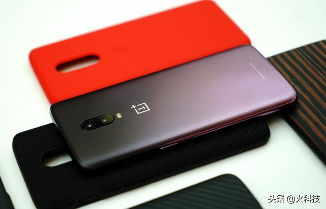 如果你想在12月份买全面屏手机,这3款最值得我们关注和拥有