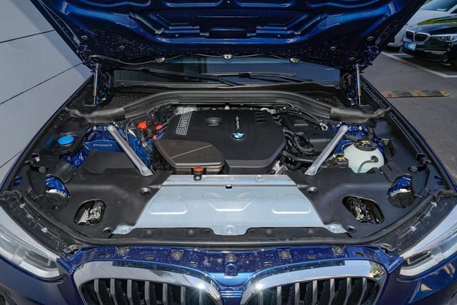 中型豪华SUV的对比 这一次奥迪Q5L用科技颠覆宝马X3的操控