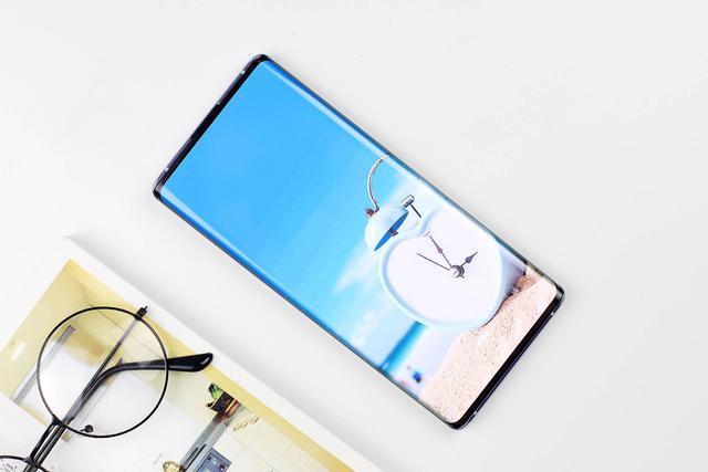 圣诞节即将来临想买手机?值得选的3款颜值和配置都是流行的手机
